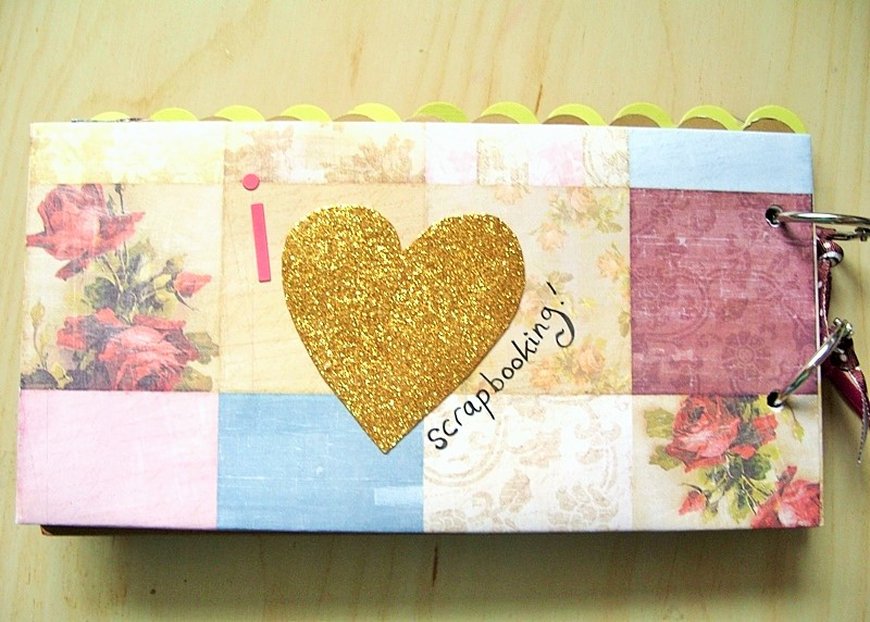 Why I Scrapbook Minibook at Jennifer Grace Creates