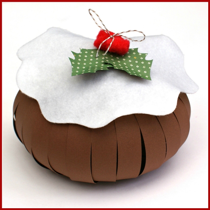 Christmas Pudding Gift Bag Tutorial by Jennifer Grace