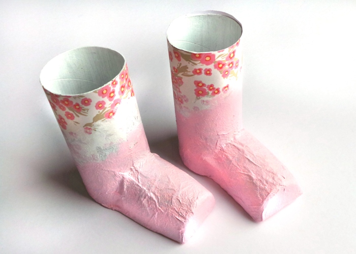 Rain Boots Paintbrush Pots Tutorial by Jennifer Grace