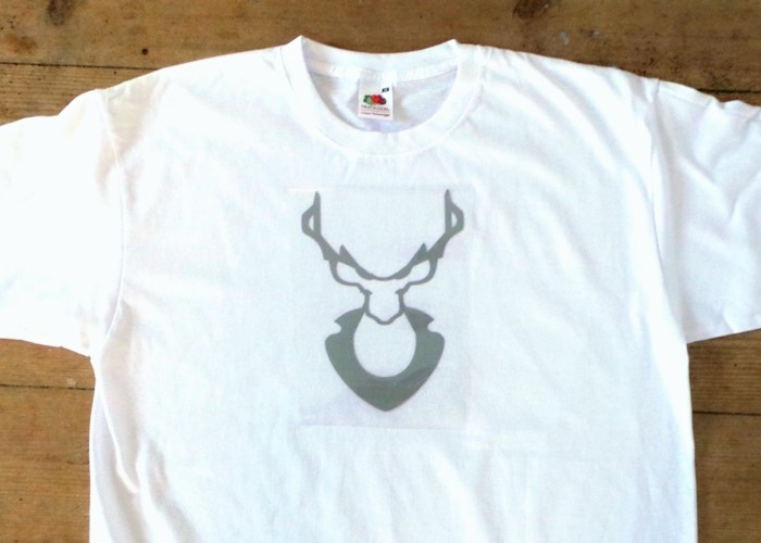 Oh Deer Vinyl Tee Shirt using the Cricut Explore at Jennifer Grace Creates