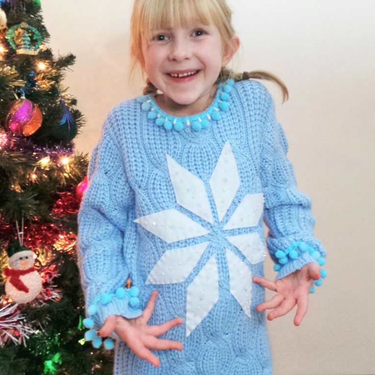 Elsa Inspired DIY Christmas Jumper at Jennifer Grace Creates