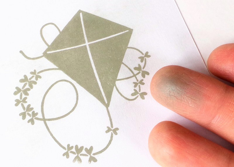 Avery Elle Pigment Ink Pads Review at Jennifer Grace Creates (This is the Avery Elle Fog Ink Pad)